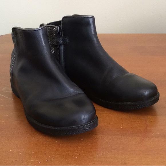 b47c804bf752 Geox Other - Geox Respira  JR Shawntel Girls Boots